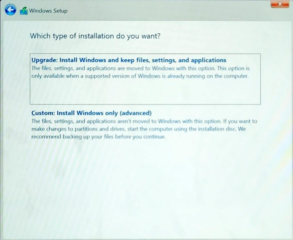 Options to clean install or upgrade Windows 11