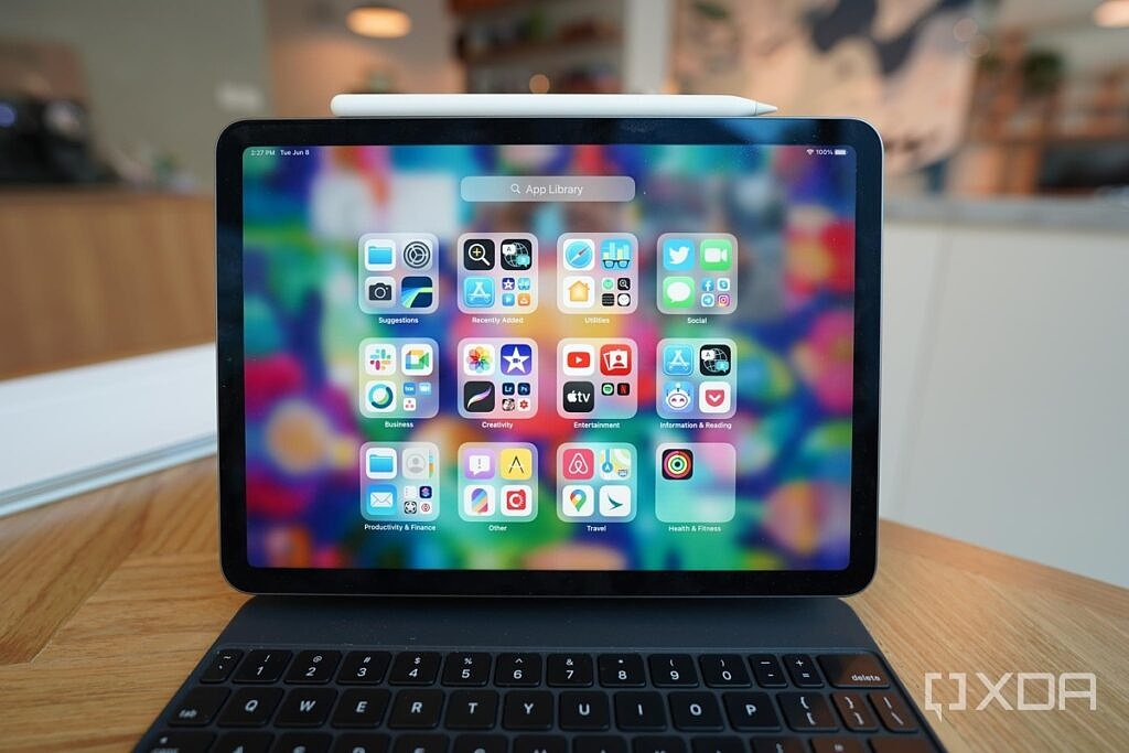iPadOS 15 with app library