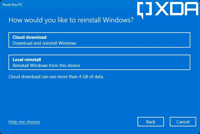 Windows 11 prompt asking users whether to perform a local reinstall or cloud download