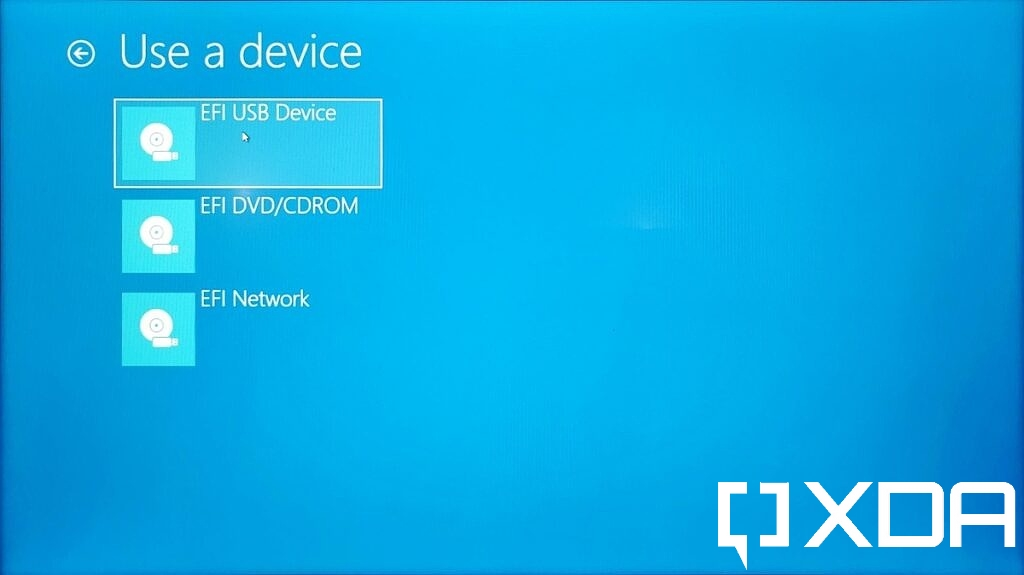 Choosing a boot device in Advanced startup