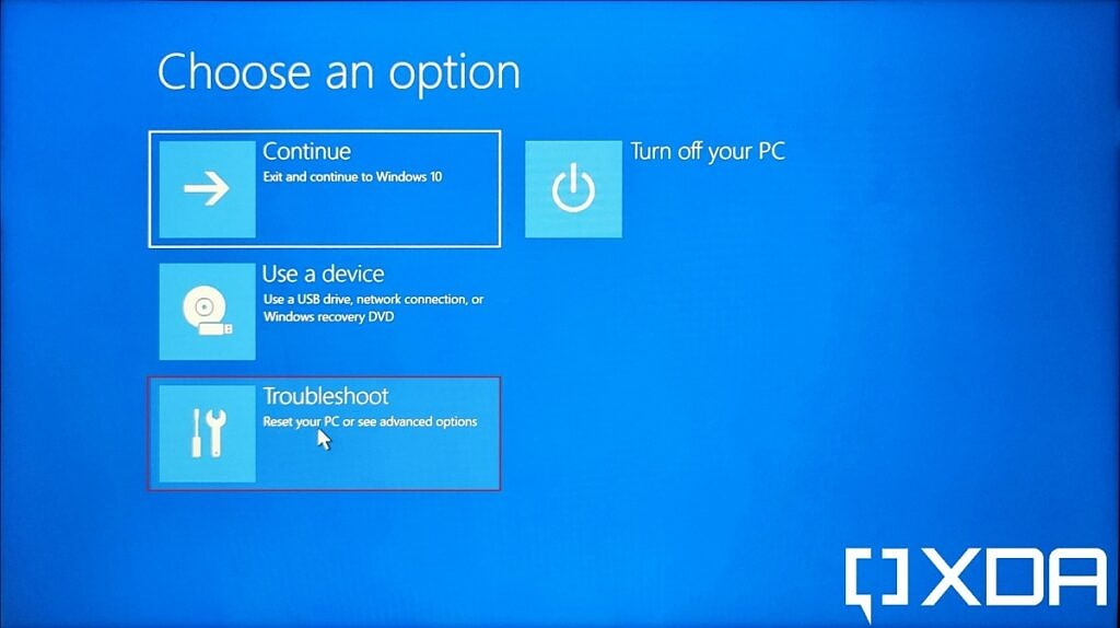 Windows 11 Advanced startup menu with troubleshoot option highlighted