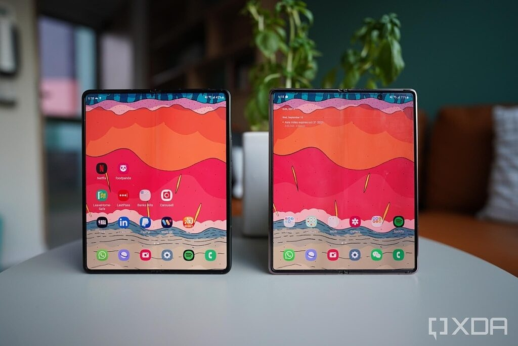 Galaxy Fold 3 and Fold 2 standing straight up