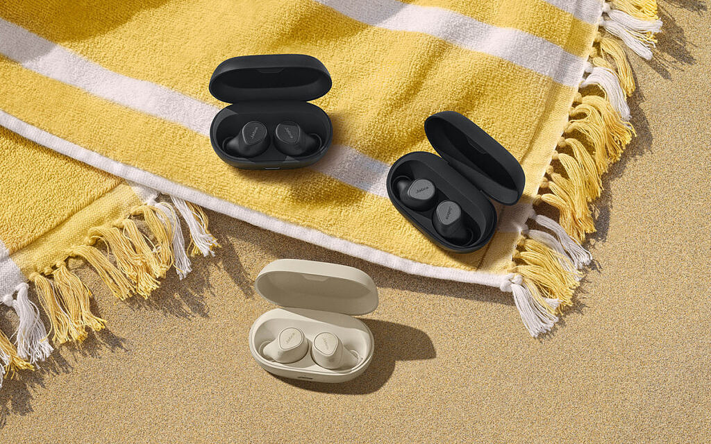 Jabra Elite 7 Pro earbuds in different colored cases
