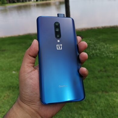 Latest OnePlus 7 series update brings Bitmoji and August security patches