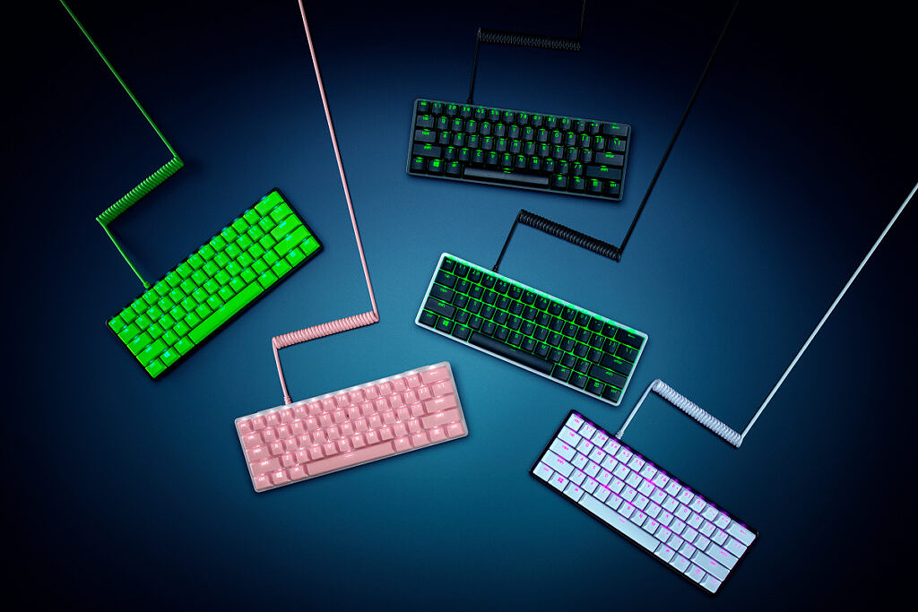 Razer PBT Keycaps and Coil Cable