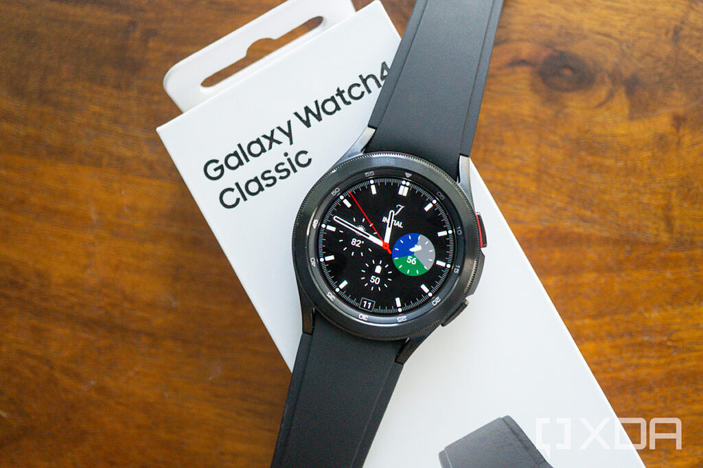 Galaxy Watch 4 Classic on top of its box