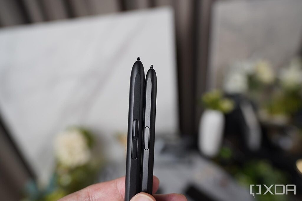 The tips of the S-Pen Pro and S-Pen Fold Edition