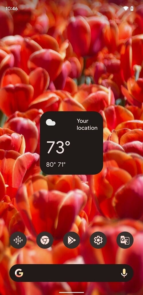 Assistant weather widget with dark theme on the homscreen