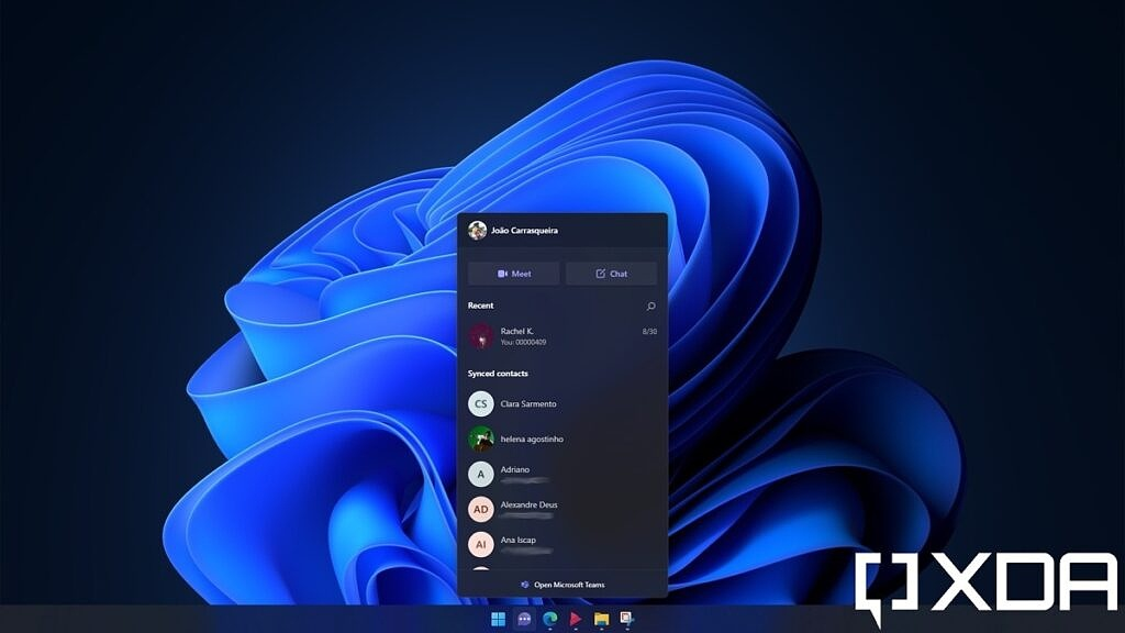 Chat panel in Windows 11