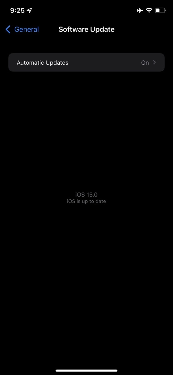 Screenshot of iOS software update page displaying iOS 15.0 as the currently installed and lastest version