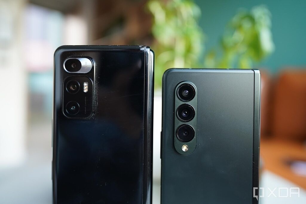 The Mix Fold's cameras and the Z Fold 3's cameras