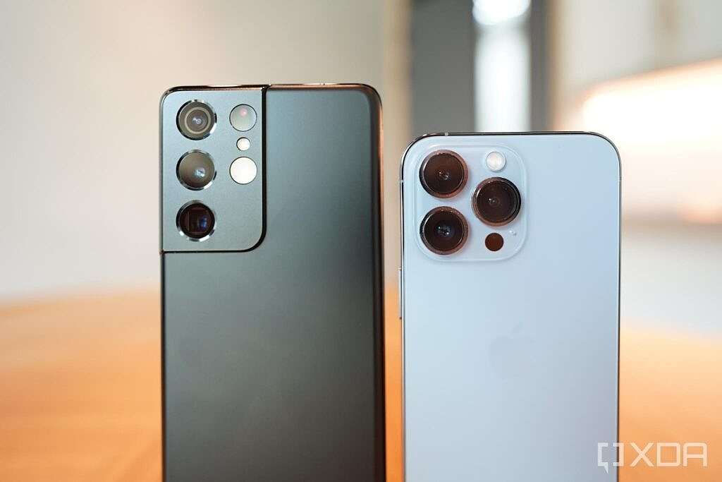 S21 Ultra and iPhone 13 Pro