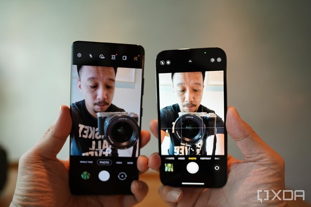 Selfie cameras of iPhone 13 Pro and Galaxy S21 Ultra