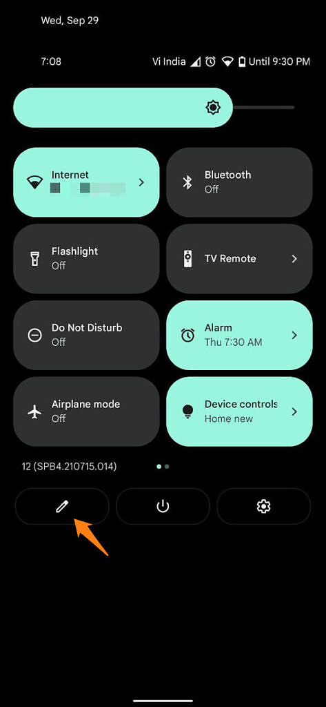 Android Quick Settings with arrow pointing at the Edit button