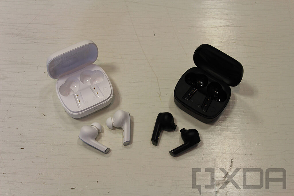 Lenovo Smart Wireless Earbuds on white table