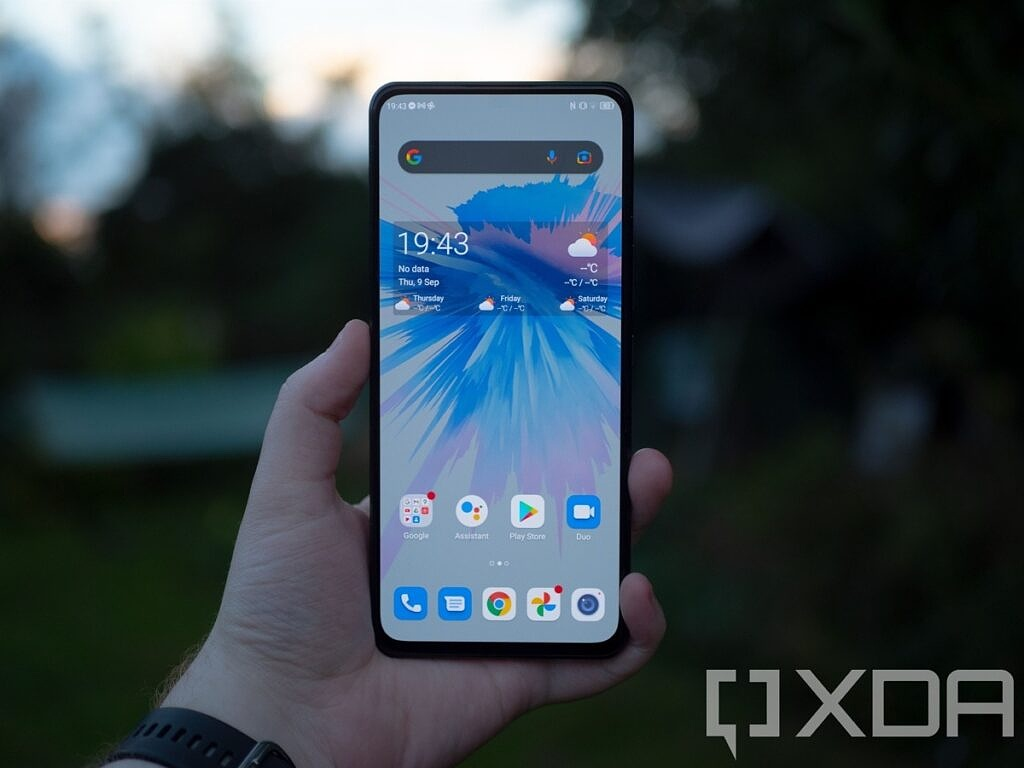 Full front of the ZTE Axon 30