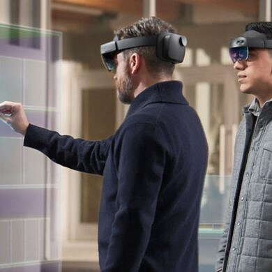 HoloLens 2 users get support for moving platforms and new features with 21H2 update